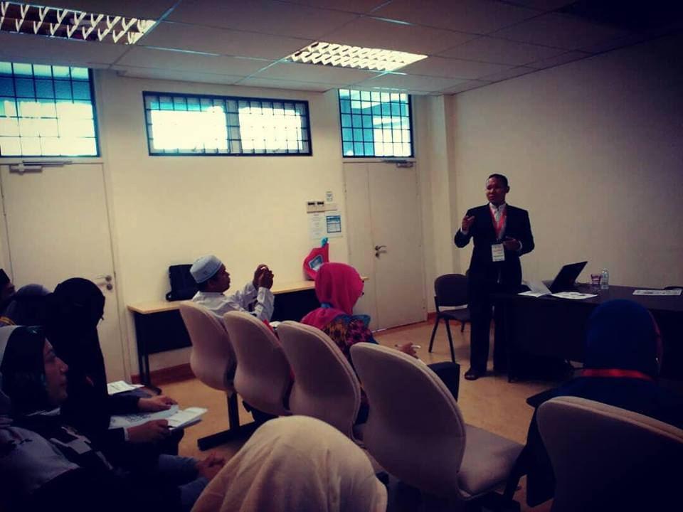 Pembicara Seminar Malaysia 082302340555